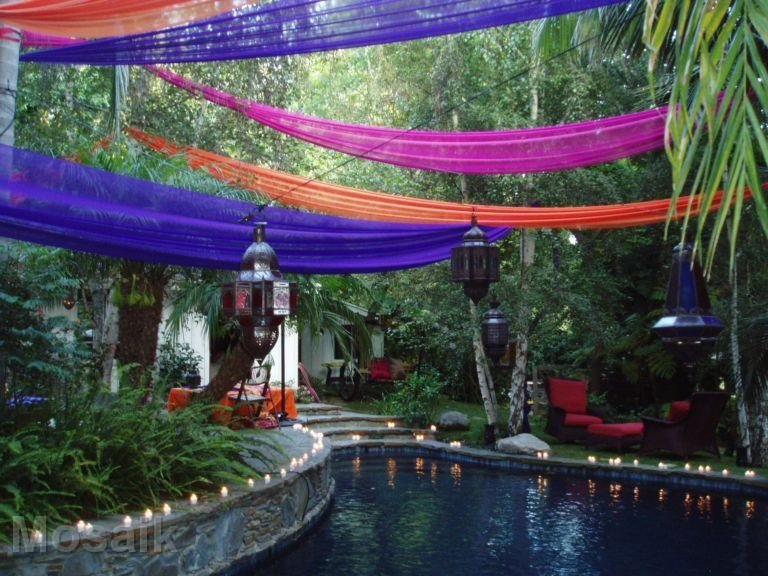 Moroccan garden party for Garden pool party